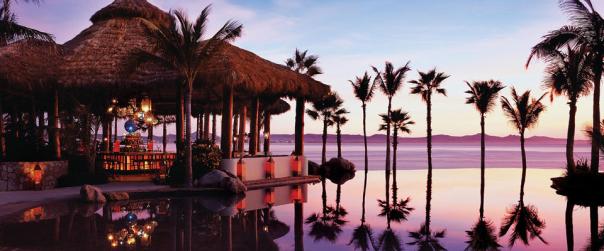 Coucher de soleil sur les piscines du Palmilla de Los Cabos